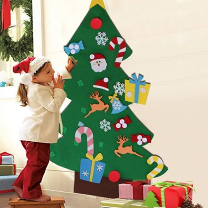 Hanging Velcro Christmas Tree With 26 Stick-On Decorations