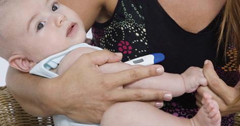 taking-babys-temperature