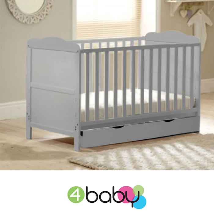 4Baby Classic Deluxe Cot Bed With Drawer & Deluxe Foam Mattress