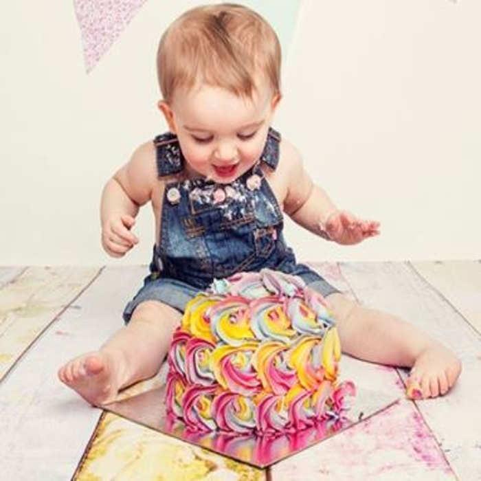 Buy a gift - cake smash photoshoot