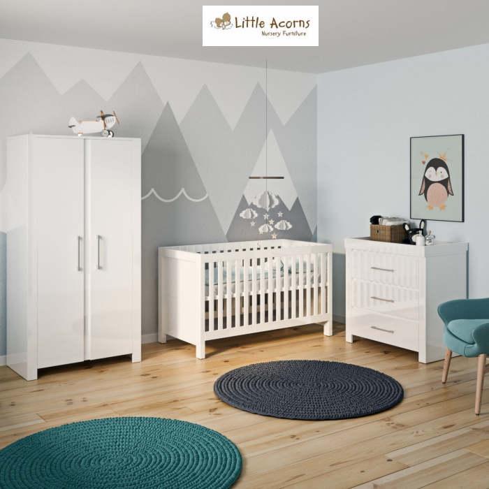 Little Acorns Snow High Gloss 5 Piece Nursery Room Set With Deluxe 4inch Foam Mattress