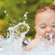 baby-swimming-sq