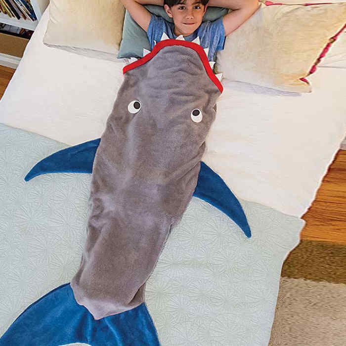 shark tail blanket1