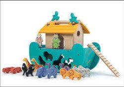 Le Toy Van Noahs shape sorter 250