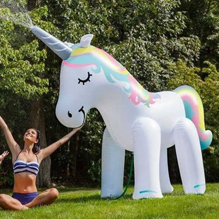 GoGroopie-Giant-Unicorn Sprinkler