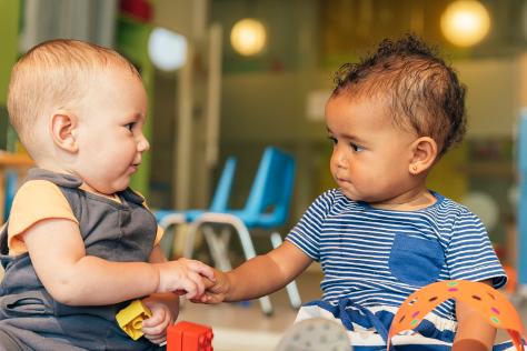 Babies socialising 474